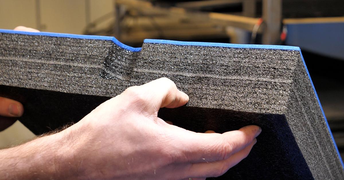 Multilagskum består av PE-skum med pre-laminerte lag på 5 mm.